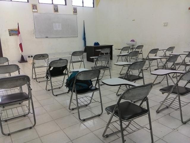 ruang kelas SMP LL